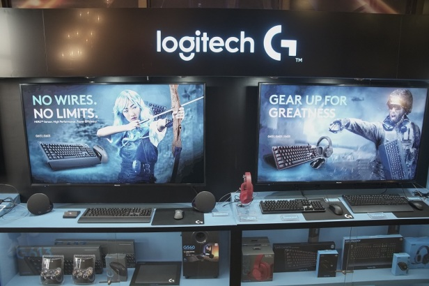 Special thanks to our sponsors, Aorus and Logitech. (2)