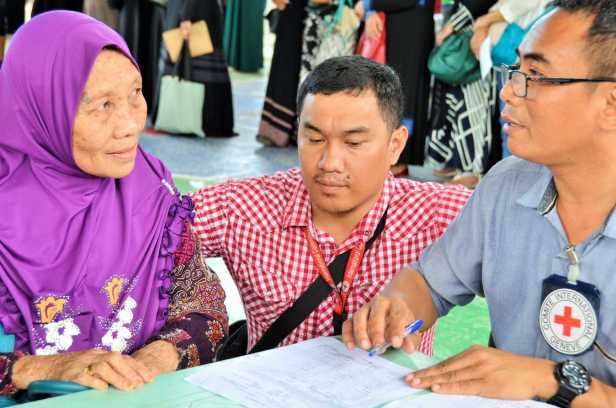 philippines-mindanao-icrc-red cross-maguindanao-marawi-livelihood-assistance-cash-grant_3