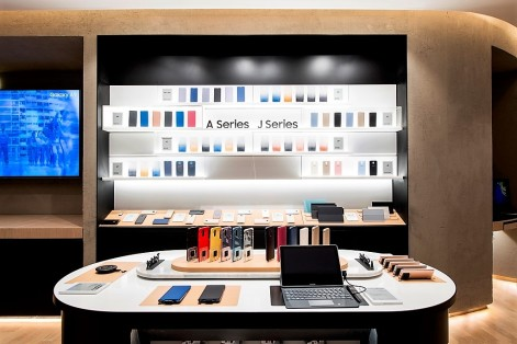 Samsung Philippines store A and J - Science and DIgital News